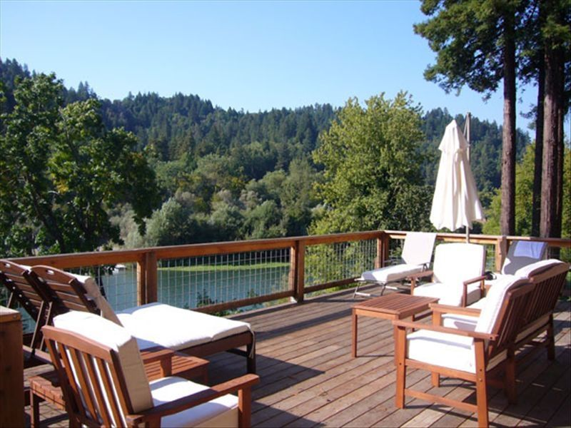 Sonoma Wine Country Riverfront Vacation...
