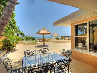 Cocoa Beach house photo - Outdoor dining area with nearby door to living/kitchen area