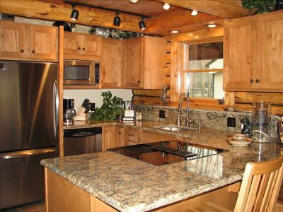 New kitchen, stainless appliances, granite counters.