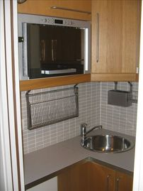 Quiet Studio Steps Away from Champs Elysees with A/C - Kitchen