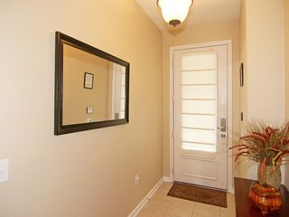 Windsor Hills townhome photo - Entryway