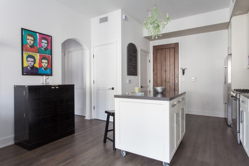 Selma Avenue 2 Bedroom Apartment In West Hollywood Curated And
