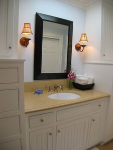 Balboa Peninsula house rental - Master Bath