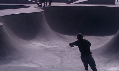 Catch the amazing Skaters at the Venice Skateboard Park. You may spot some Pros.