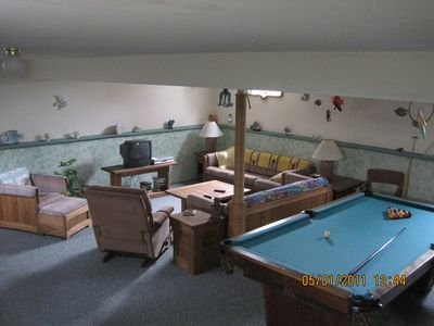 recreation room with tourment pool table