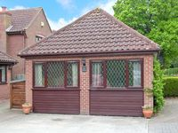 ANNEXE, pet friendly, country holiday cottage in Diss, Ref 15562