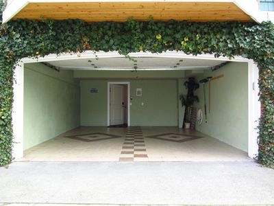 Private Tiled 2 Car Garage