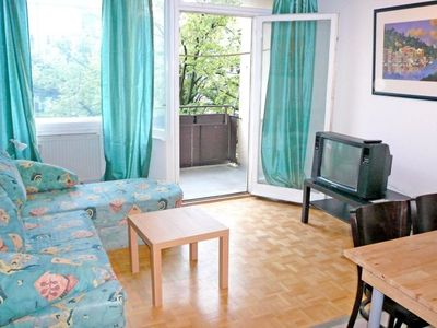 BY CASTLE - One Bedroom Apartment, Sleeps 5