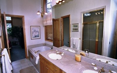 Master bath (jetted Jacuzzi tub)