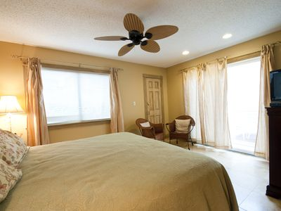 Master Bedroom Suite - Lots of natural sunlight to greet each day in paradise