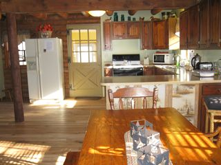 Madison cabin photo - Dinning Area with Sun Shining Through Window