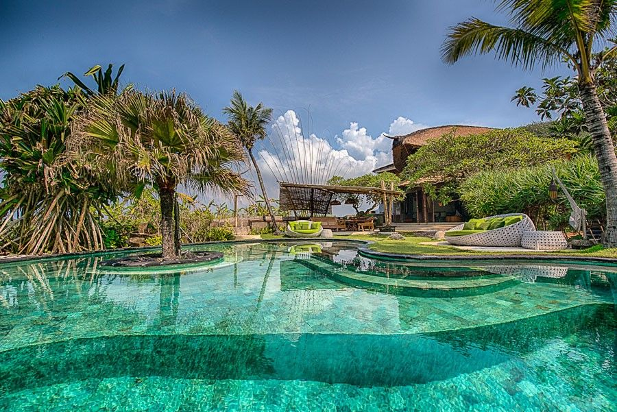 Four bedroom magazine featured bali homeaway canggu for Hotel di bali indonesia