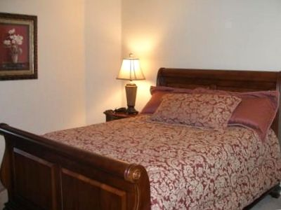 Lovely 4th Bedroom w/Comfy QUEEN Sleigh Bed. Enjoy a great night sleep.