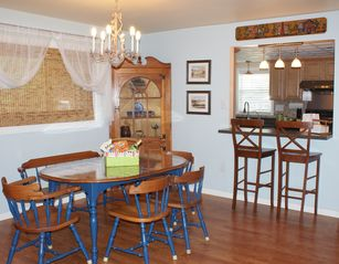 Lancaster townhome photo - Dining Room and Breakfast Bar