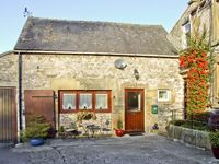 OXDALES COTTAGE, family friendly in Alsop Moor, Ref 4474