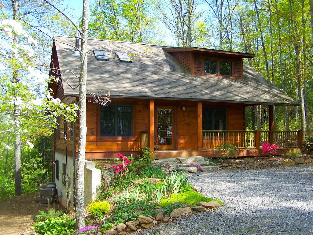 Arts and crafts style log cabin close to vrbo for Asheville arts and crafts biltmore village