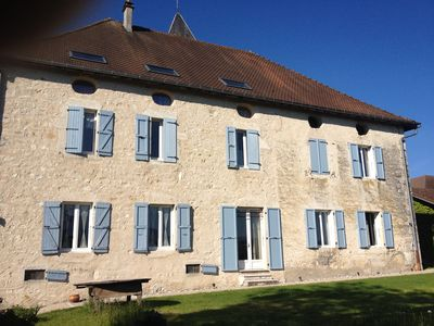 Superb house with vineyards and views of the Grand Colombier