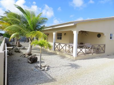 SUPERB DETACHED HOLIDAY VILLA, BEAUTIFUL LANDSCAPED GARDEN, WALKING DISTANCE FROM THE SEA.
