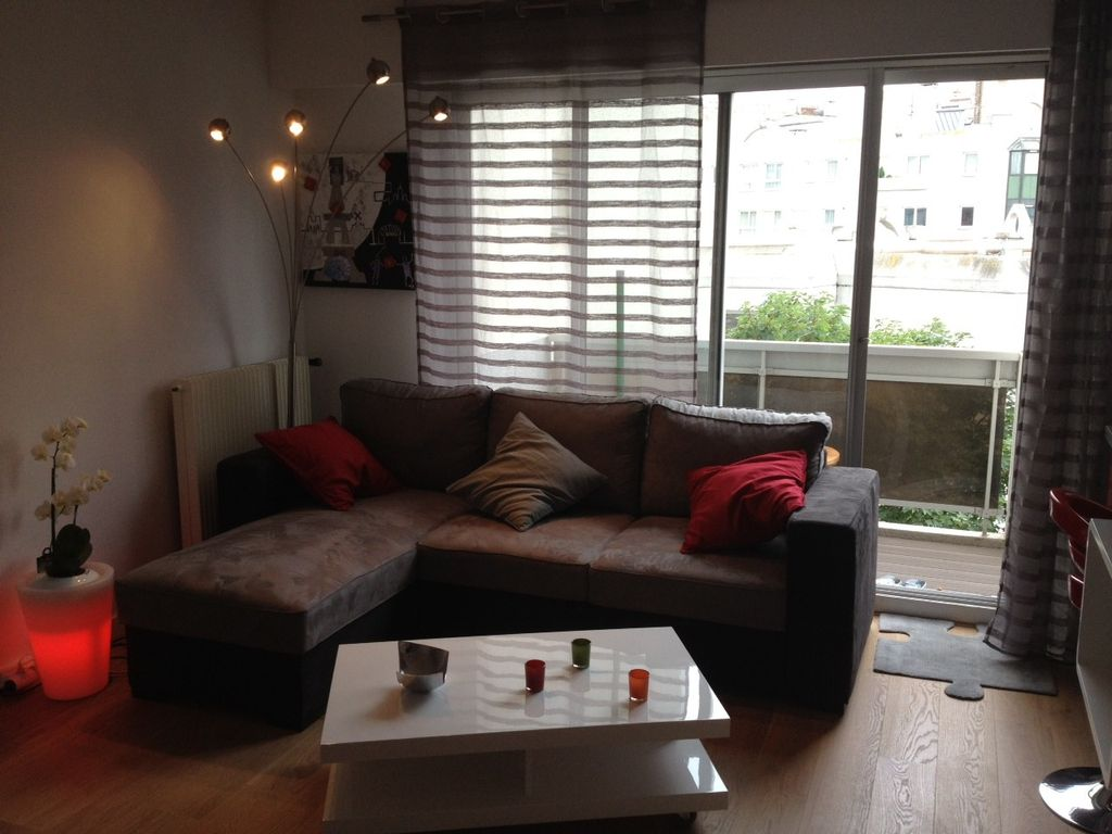 Appartement montmartre studio 30m2 avec grand balcon am nag paris 18 me pa - Amenagement salon 30m2 ...