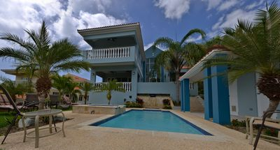 7 bedroom home with pool and hot tub