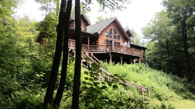 Catskill Log Cabin, Lakefront Property, Sleeps 14, 5 Bed, 3 Bath, 2 hrs from NYC
