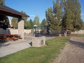 Eagle Crest townhome photo - Covered picnic area, gas BBQ's, play areas.
