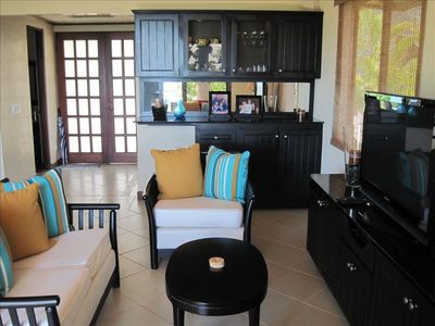 "Dominical house rental - Large living area with a 42"" flat screen satellite TV, DVD and bar."