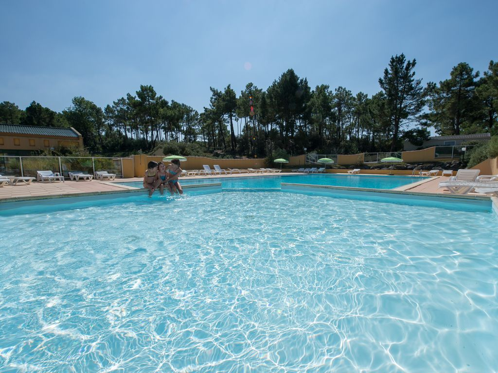 Appartement 1 ch camping 4 piscine couverte plage for Camping mont saint michel piscine couverte