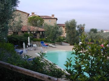 Vinci chateau / country house rental - The pool amid trees