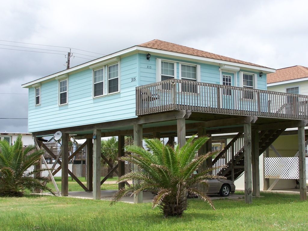Seaclusion beach house homeaway freeport for 9 bedroom beach house rental