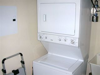 Loiza condo photo - Laundry area