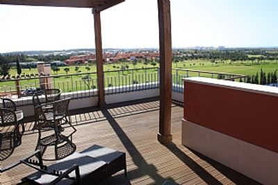 Penthouse Accommodation Amazing Panoramic Golf and Sea Views- Watch the Sunset