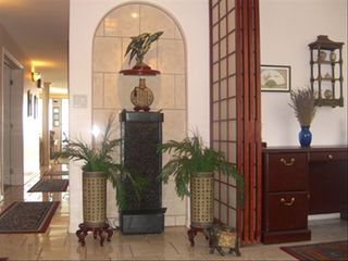 Maalaea condo photo - Foyer with waterfall