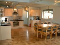 "Sleeps 9, ""Peak Retreat"" a country S C holiday cottage"