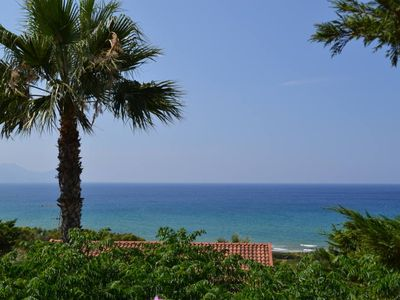 VILLA WITH VIEWS OF THE SEA 200 METERS FROM A BROAD BEACH SAND