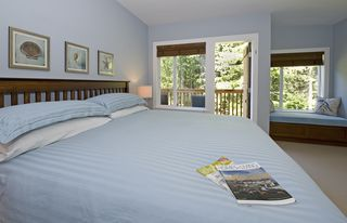Parksville townhome photo - Window seat in the Master Bedroom looks out to Rathtrevor Provincial Park