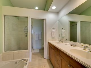 Key Largo townhome photo - Master ensuite bath with double sinks, jetted tub and glassed shower