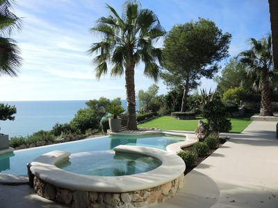 Villa Vista, Stunning Sea Views, Stylish , Newly Refurbished Peaceful Location C
