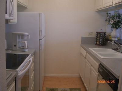 Oceanside condo rental - Kitchen
