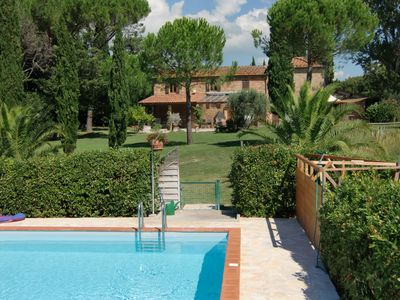 Tuscan country house with pool in a fantastic location and close to the sea
