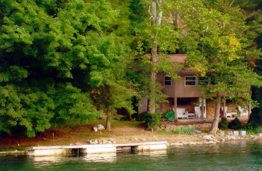 Need help finding vacation rentals live the destination for Fishing cabins in tennessee
