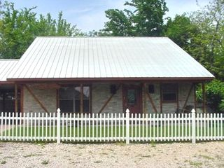 New Braunfels cottage rental - Oma Seidel's Haus