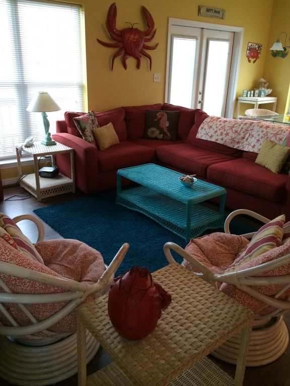 Charming shabby beach condo short walk to vrbo for Living room with lots of seating
