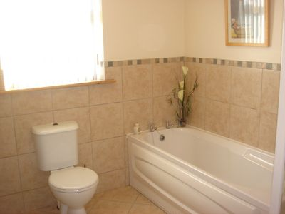 County Donegal chalet rental - Main Bathroom