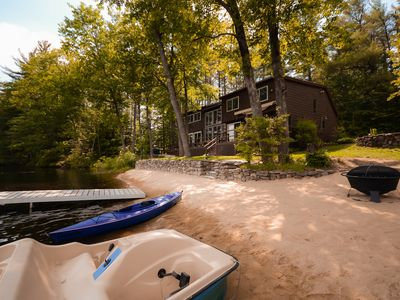 Spacious lakefront cottage and guesthouse with all the comforts of home