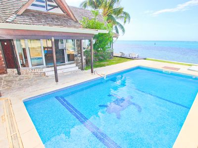 Fabulous beachfront pool home! excellent swimming and snorkeling onsite!