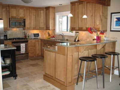 Kitchen and Breakfast Bar, wine fridge, new appliances