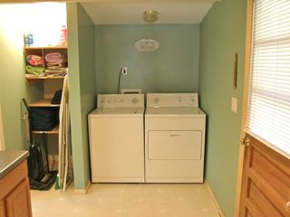 Berkeley Springs cabin photo - Full size washer and dryer.