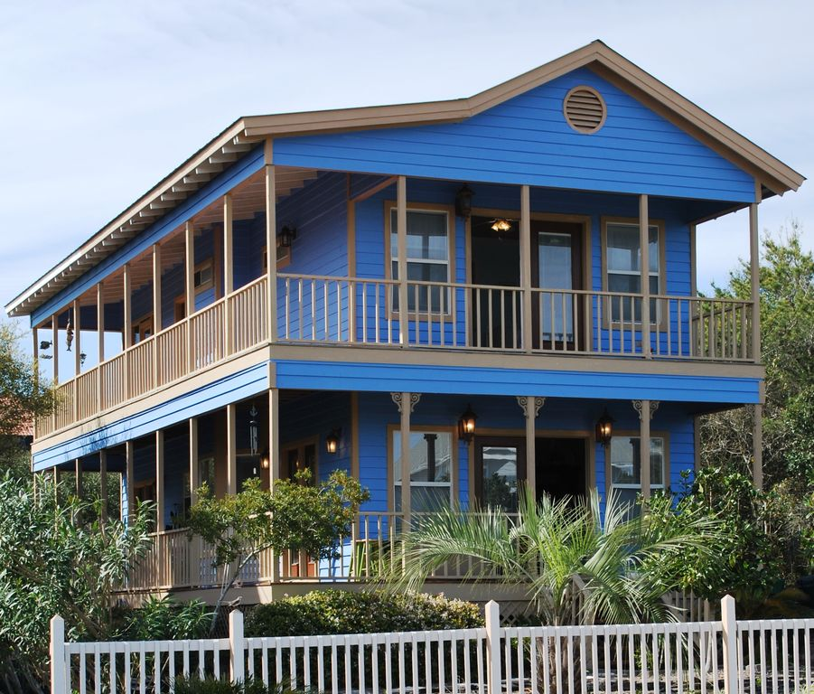 Beach House Rental Crystal Beach: Seconds To The Sand