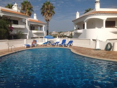 Lovely apartment + pool, perfectly located for restaurants, bars, shops & beach